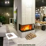 camino-legna-tre-vetri-lati-mcz-forma-t95-ambientazione