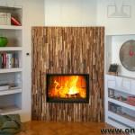 Rimodernare-camino-rivestimento-listelli-legno